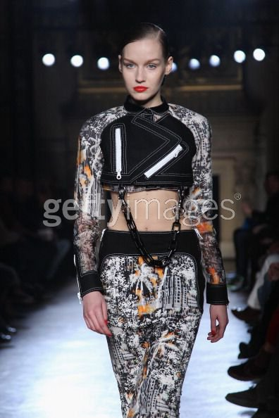 images/cast/10150089248432035=my job on fabrics x=corrado de biase - Fall 2011 show -